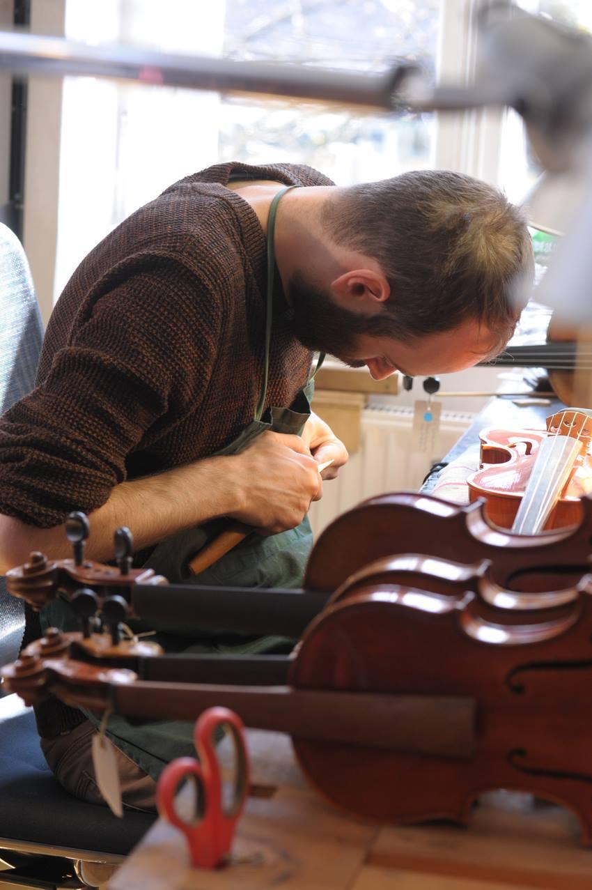 Geigenbauer bei Corilon violins
