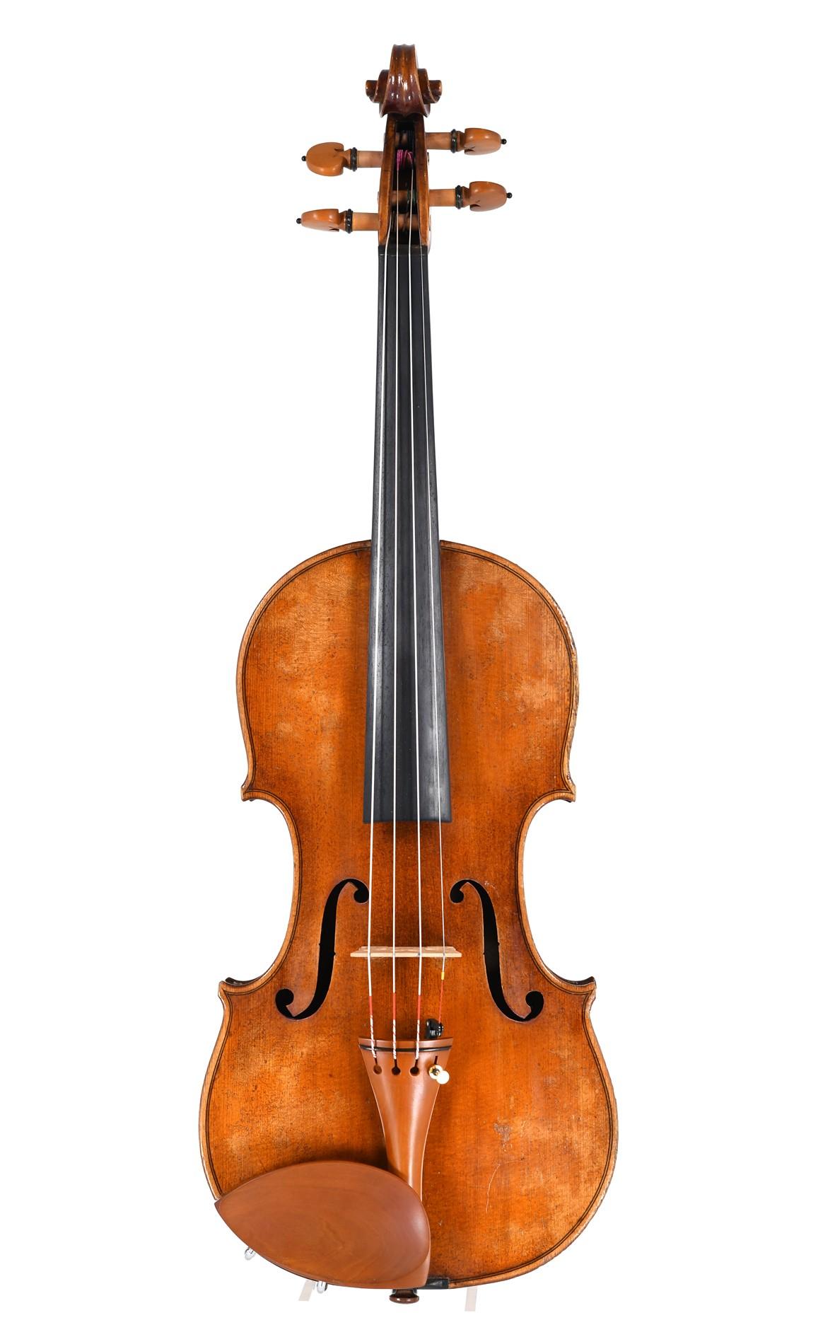 Petite German-Bohemian violin after Bergonzi - table