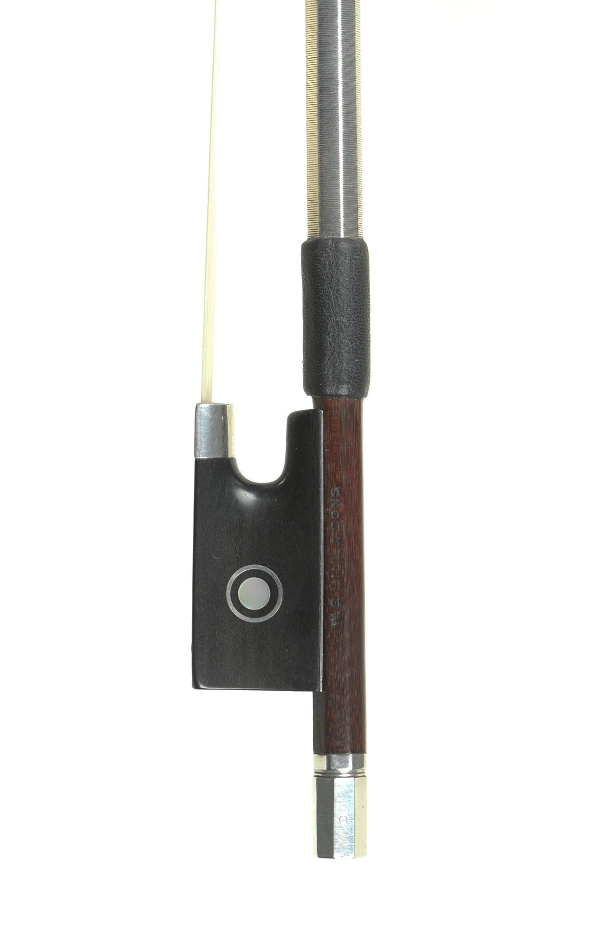 Fine W. E. Hill & Sons violin bow. Made by Chrles Leggatt / W. E. Hill & Sons, circa 1910 - frog