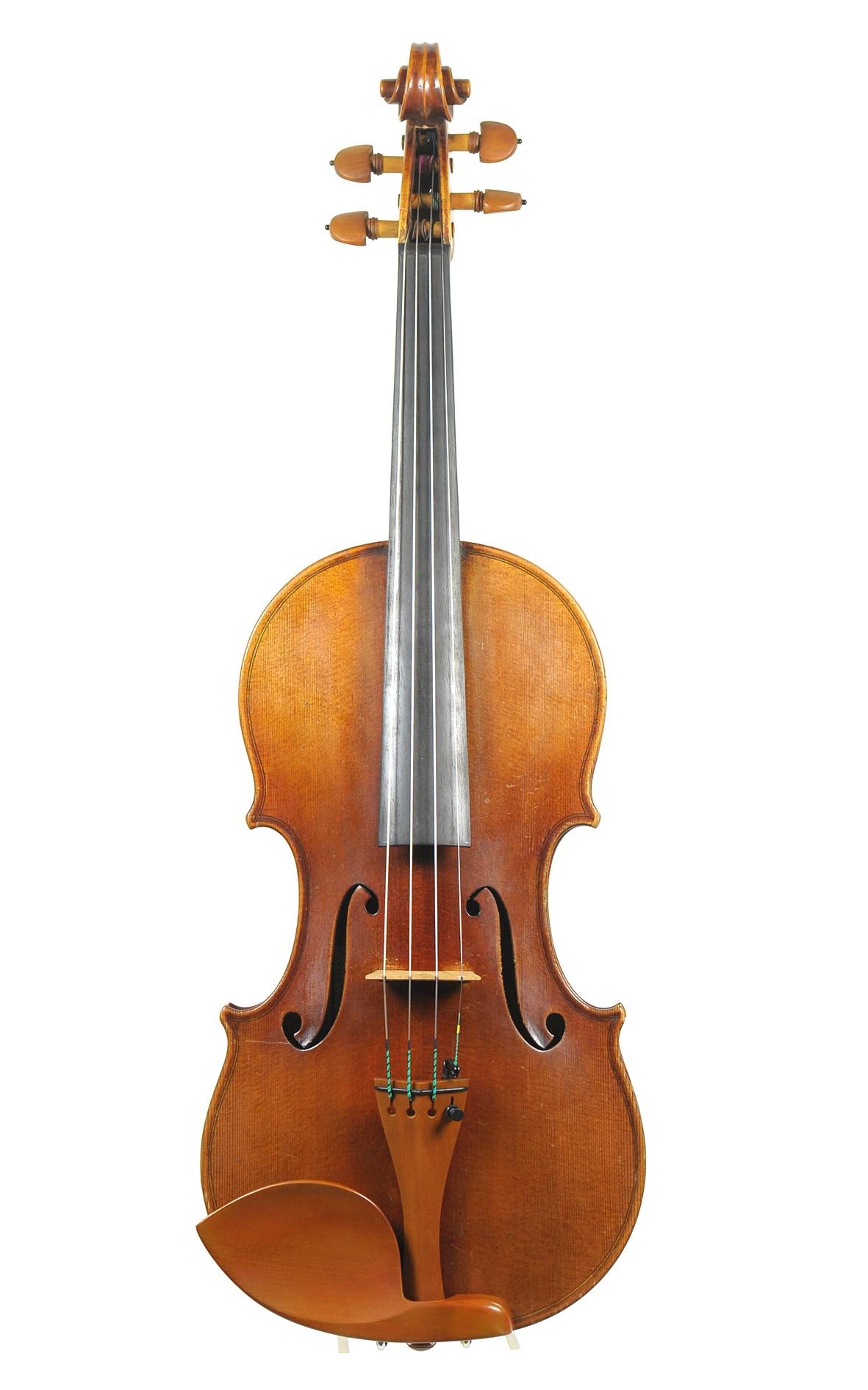 A fine Ernst Heinrich Roth violin, 1955 - Guarnerius model - table