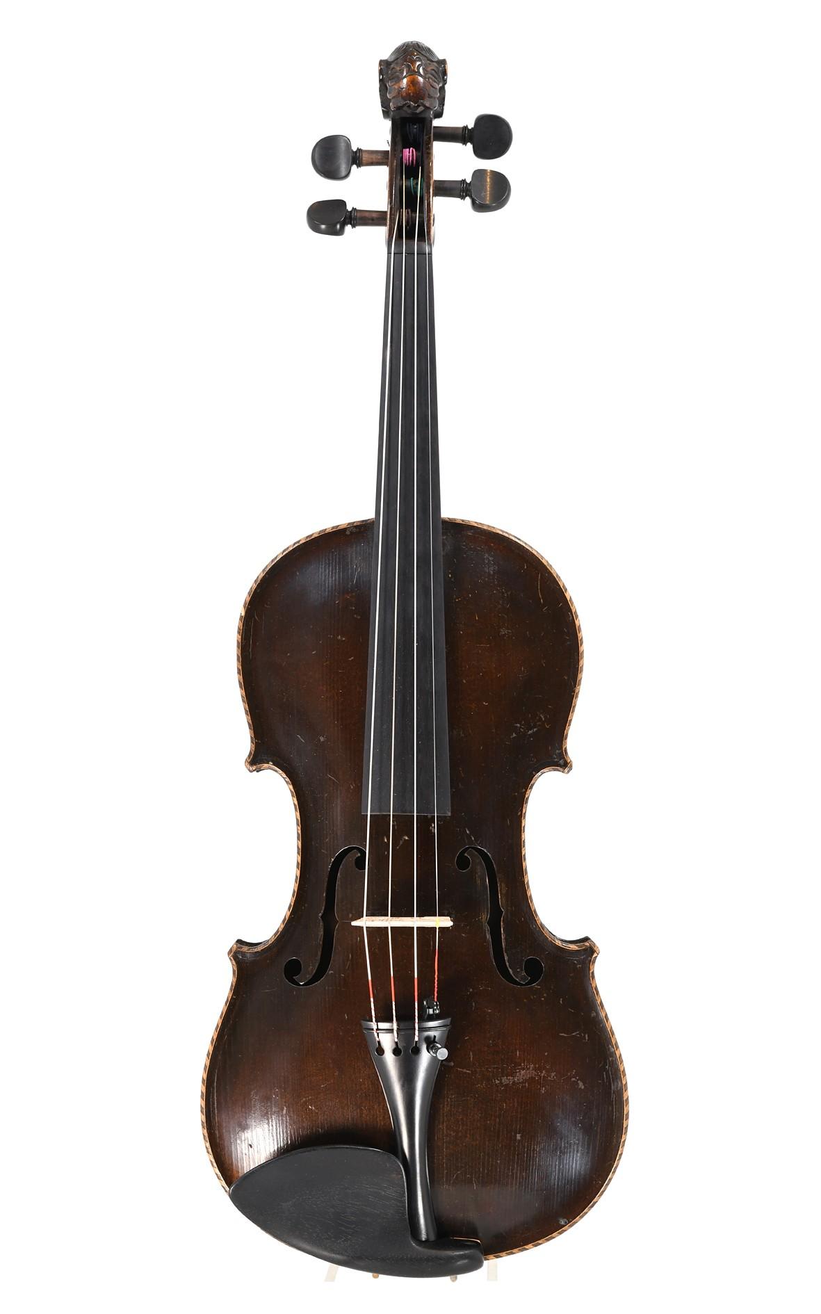 Lion head violin Saxony approx. 1900 - top