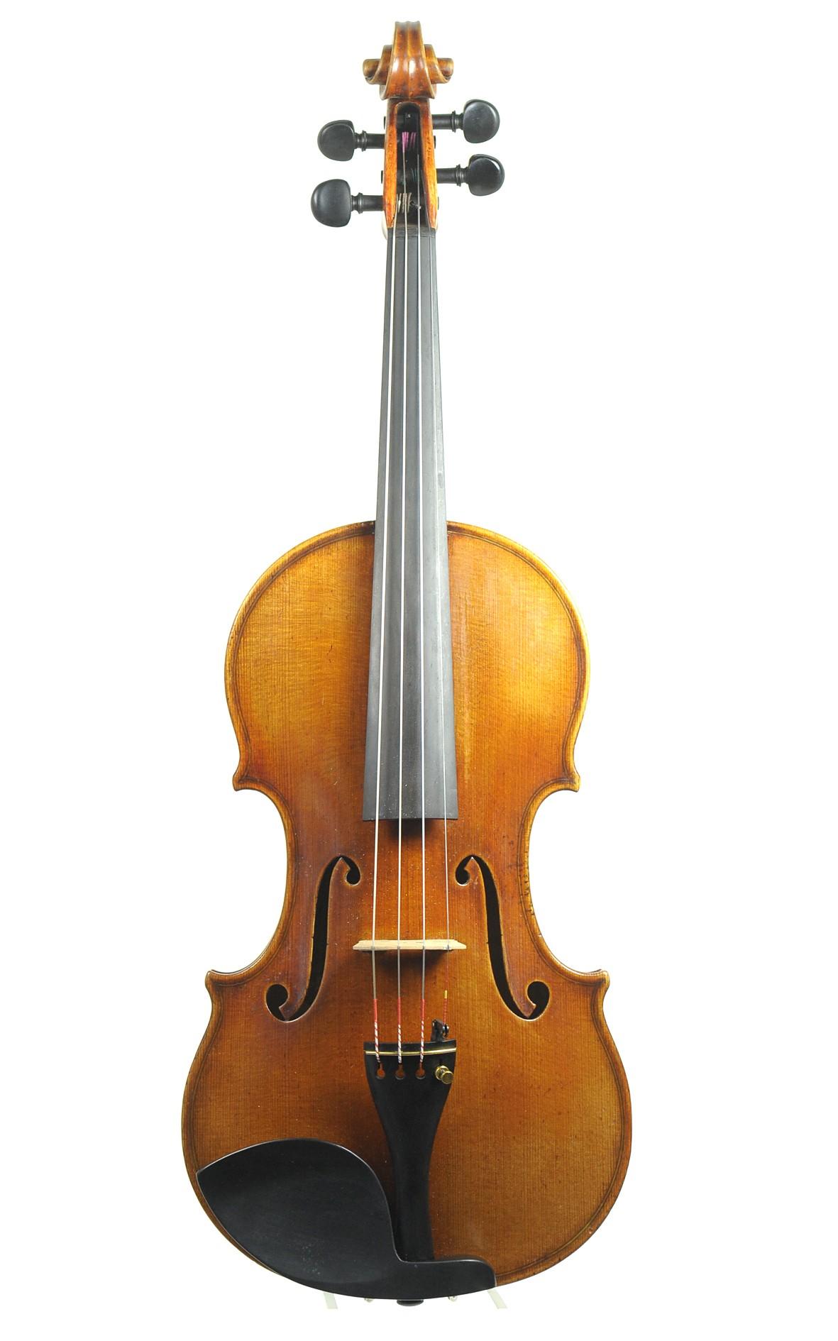 Soloist violin, masterpiece by Paul Dörfel, Markneukirchen - spruce top