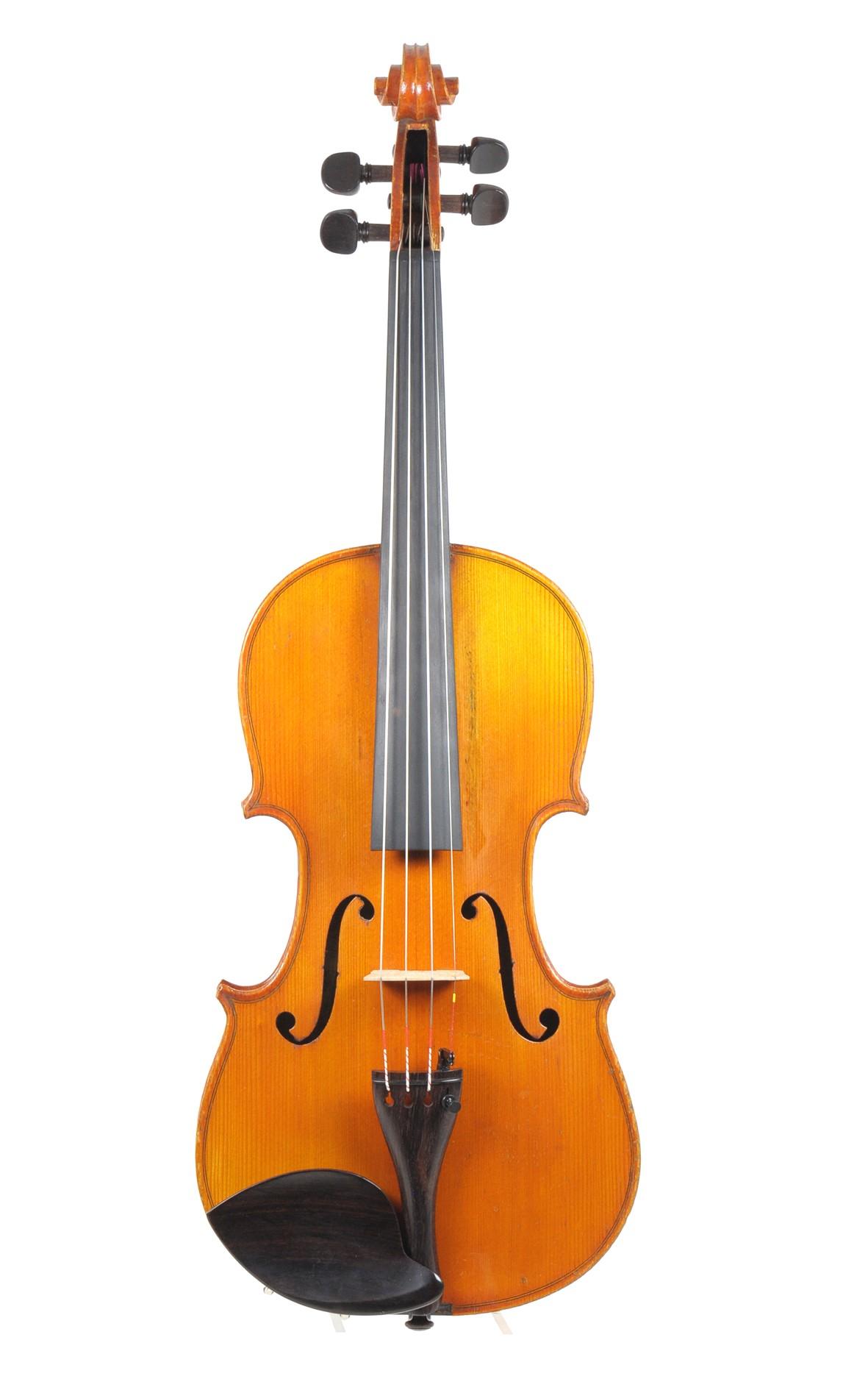 Breton violin, choisi par Leon Bernardel - top view