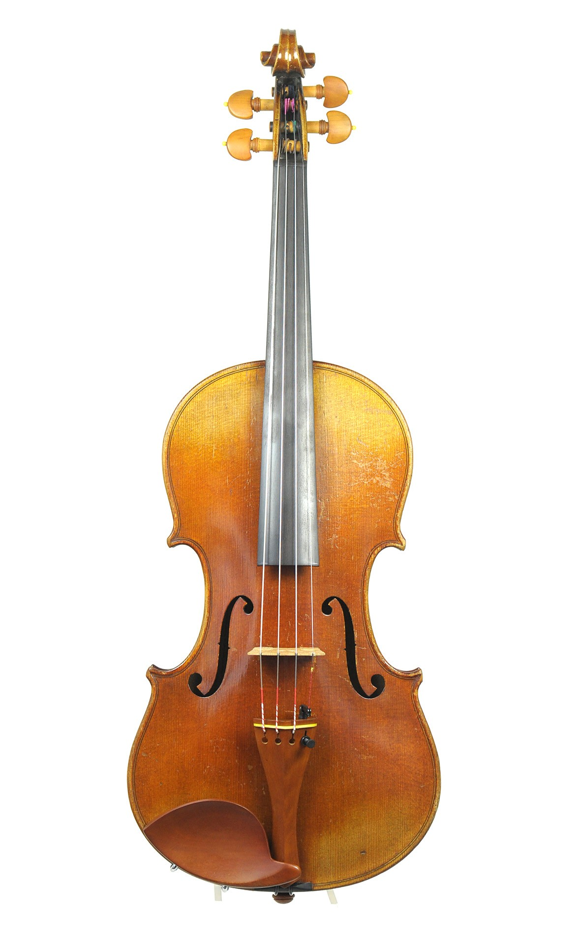 Fine quality Markneukirchen violin from Schuster & Co., 1912 - table