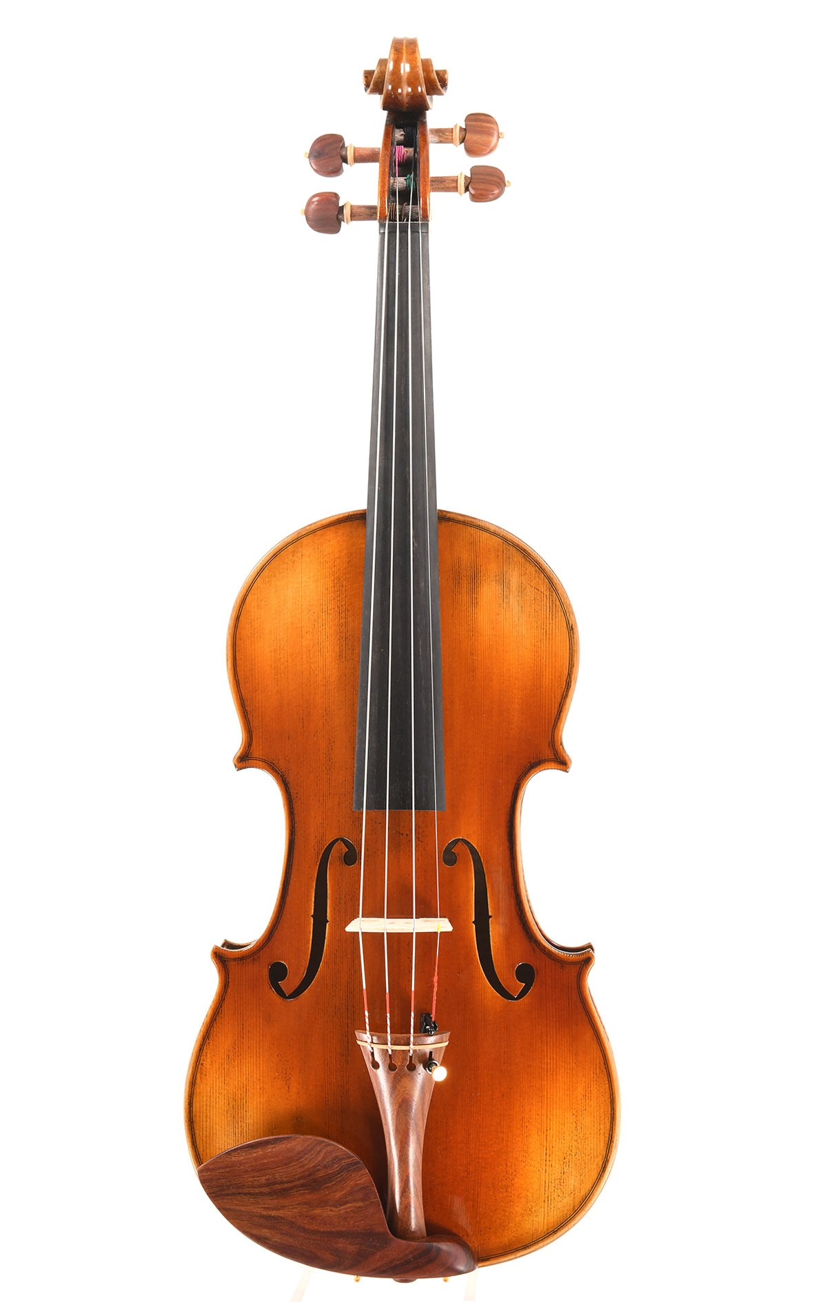 "Violin opus 12 from the ""CV Selectio"" portfolio - meets sophisticated musical standards"