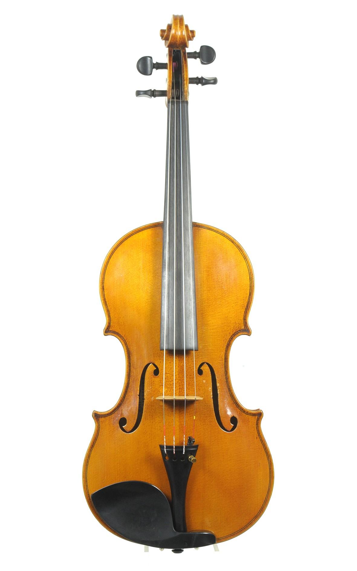 Bavarian violin by Max Krauss, Landshut 1954. Two piece top of medium grained spruce.