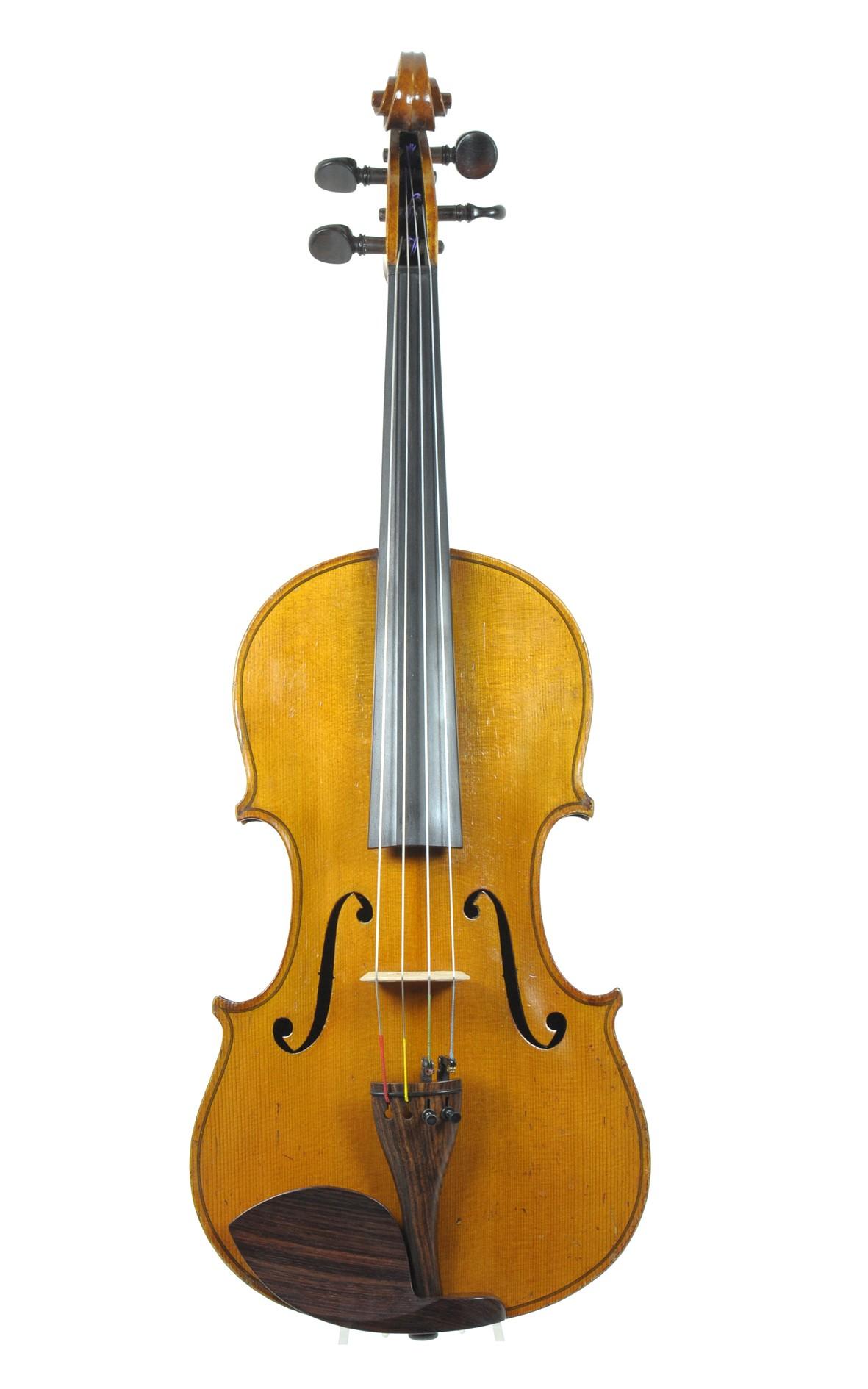 Antique viola by Nicolaus Bernhard