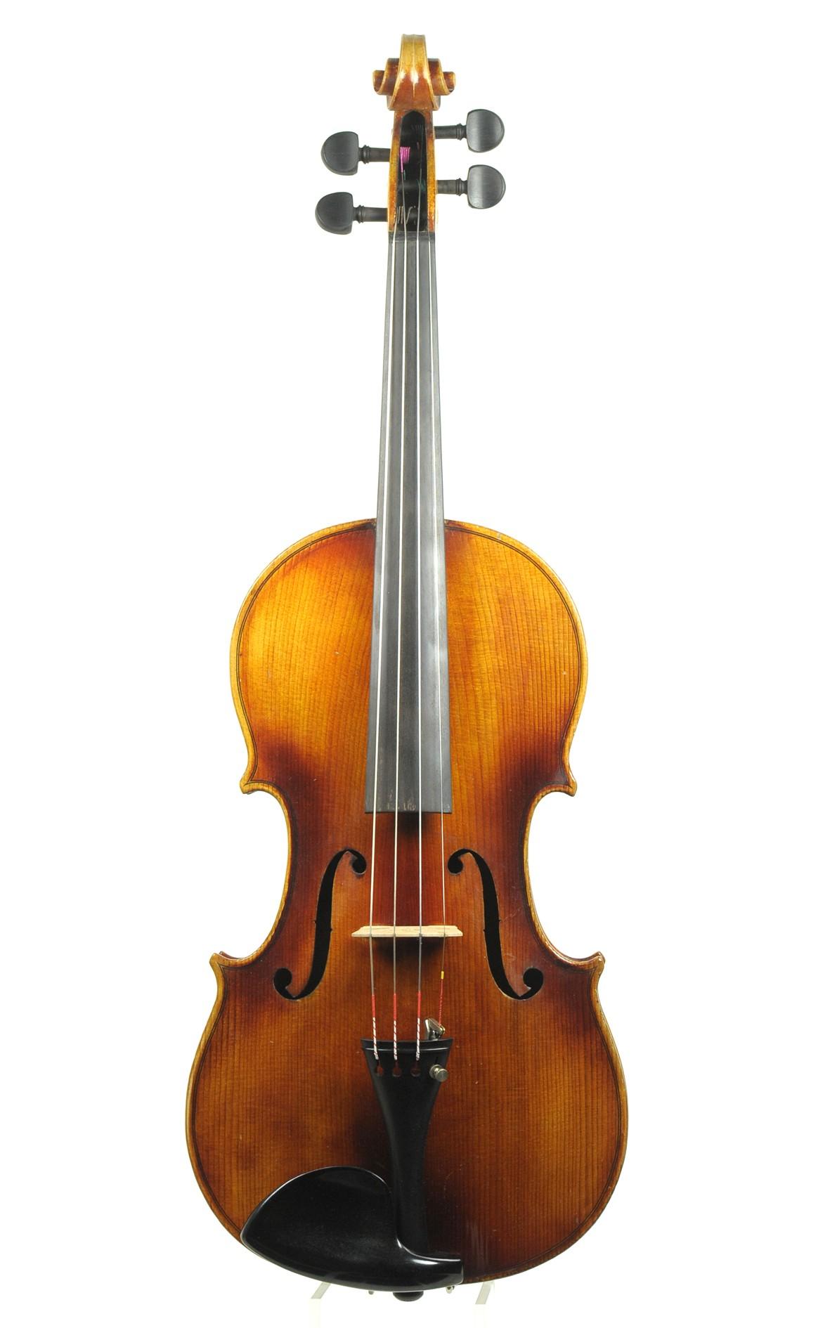 Modern German manufactured Bubenreuth violin - top